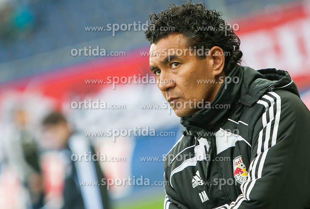 "07.04.2012, Red Bull Arena, Salzburg, AUT, 1. FBL, FC Red Bull Salzburg vs FC Wacker Innsbruck, 29. Spieltag im Bild Ricardo Moniz, (Red Bull Salzburg, Trainer) // during the Austrian ""Bundesliga"" Match, 29th Round, between FC Red Bull Salzburg and FC Wacker Innsbruck at the Red Bull Arena, Salzburg, Austria on 2012/04/07. EXPA Pictures © 2012, PhotoCredit: EXPA/ Juergen Feichter"