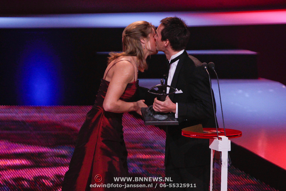 NLD/Den Haag/20111212 - NOC / NSF Sportgala 2011, Johnny Hoogerland en Young talent Award 2011 Dafne Schppers