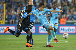 April 19, 2018 - Brugge, BELGIUM - Club's Marvelous Nakamba and Charleroi's Christian Benavente fight for the ball during the Jupiler Pro League match between Club Brugge and Sporting Charleroi, in Brugge, Thursday 19 April 2018, on day four of the Play-Off 1 of the Belgian soccer championship. BELGA PHOTO VIRGINIE LEFOUR (Credit Image: © Virginie Lefour/Belga via ZUMA Press)