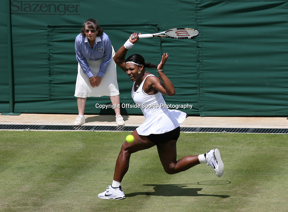 23/06/2011 - Wimbledon (Day 4) - Simona Halep vs. Serena Williams - Serena Williams - Photo: Simon Stacpoole / Offside.