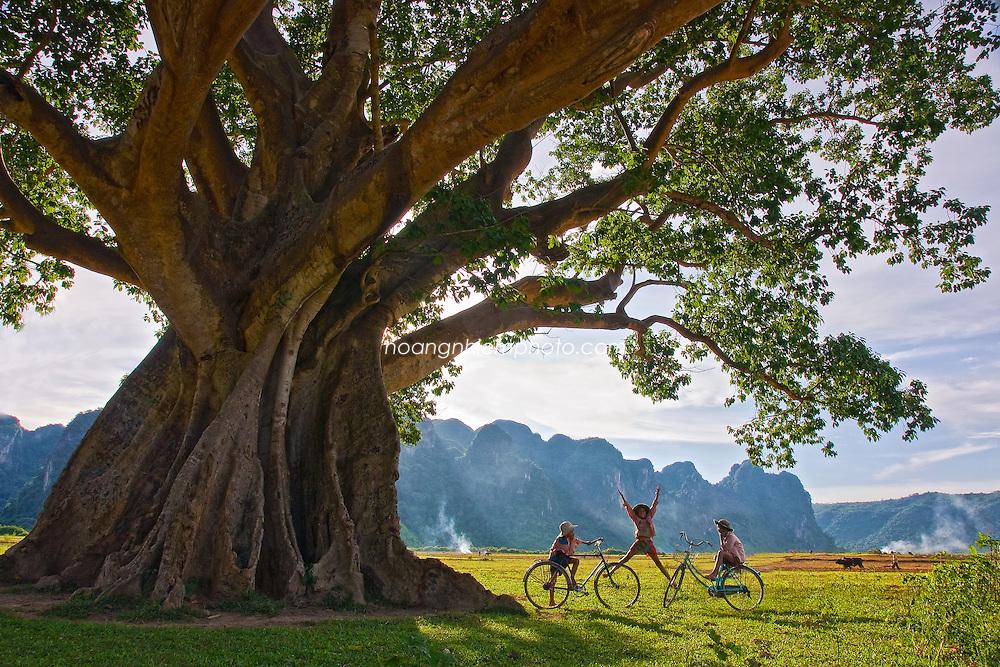 Vietnam Images-Landscape-children-Quang Binh phong cảnh việt nam hoàng thế nhiệm