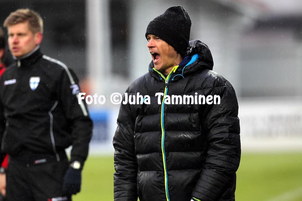 4.5.2014, Hietalahti, Vaasa.<br /> Veikkausliiga 2014.<br /> Vaasan Palloseura - Helsingin Jalkapalloklubi.<br /> Valmentaja Mika Lehkosuo - HJK
