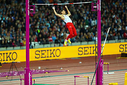 London, August 08 2017 . Pawel Wojciechowski, Poland, in the men's pole-vault final on day five of the IAAF London 2017 world Championships at the London Stadium. © Paul Davey.