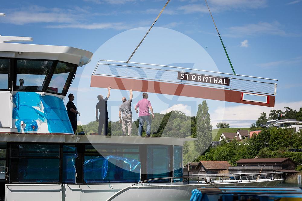 SCHWEIZ - MEISTERSCHWANDEN - Transport und Einwasserung der MS 2018 an den Hallwilersee, für die Überfahrt von der Werft nach Basel wurde das Schiff vorübergehend 'MS Störmthal' genannt - 24. Mai 2018 © Raphael Hünerfauth - http://huenerfauth.ch