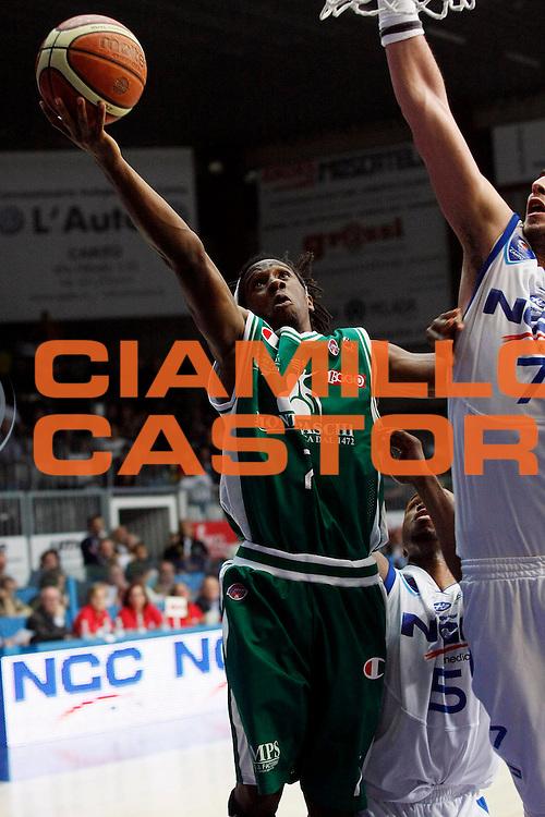 DESCRIZIONE : Cantu Lega A1 2008-09 NGC Cantu Montepaschi Siena<br /> GIOCATORE : Morris Finley<br /> SQUADRA : Montepaschi Siena<br /> EVENTO : Campionato Lega A1 2008-2009<br /> GARA : NGC Cantu Montepaschi Siena<br /> DATA : 12/10/2008<br /> CATEGORIA : Tiro<br /> SPORT : Pallacanestro<br /> AUTORE : Agenzia Ciamillo-Castoria/G.Cottini
