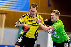 27.04.2018, BSFZ Suedstadt, Maria Enzersdorf, AUT, HLA, SG INSIGNIS Handball WESTWIEN vs Bregenz Handball, Viertelfinale, 1. Runde, im Bild Povilas Babarskas (Bregenz Handball), Wilhelm Jelinek (SG INSIGNIS Handball WESTWIEN) // during Handball League Austria, quarterfinal, 1 st round match between SG INSIGNIS Handball WESTWIEN and Bregenz Handball at the BSFZ Suedstadt, Maria Enzersdorf, Austria on 2018/04/27, EXPA Pictures © 2018, PhotoCredit: EXPA/ Sebastian Pucher