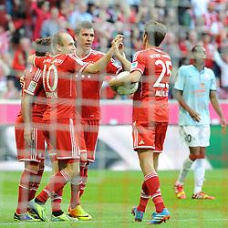 19.10.2013, Allianz Arena, Muenchen, GER, 1. FBL, GER, 1. FBL, FC Bayern Muenchen vs 1. FSV Mainz 05, 9. Runde, im Bild v l Freude bei Mario Goetze (FC Bayern Muenchen), Arjen Robben (FC Bayern Muenchen) Mario Mandzukic (FC Bayern Muenchen), Thomas Mueller (FC Bayern Muenchen) nach dem 3:1 durch Mario Mandzukic (FC Bayern Muenchen) // during the German Bundesliga 9th round match between FC Bayern Munich and 1. FSV Mainz 05 Allianz Arena in Muenchen, Germany on 2013/10/19. EXPA Pictures © 2013, PhotoCredit: EXPA/ Eibner-Pressefoto/ Stuetzle<br /> <br /> *****ATTENTION - OUT of GER*****