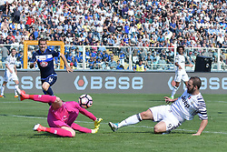 Pescara 15-04-2017 Stadio Adriatico Football Calcio Serie A 2016/2017 Pescara - Juventus. 15 Apr 2017 Pictured: gol Gonzalo Higuain Juventus Goal celebration. Photo credit: Insidefoto / MEGA TheMegaAgency.com +1 888 505 6342