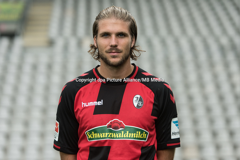 German Bundesliga - Season 2016/17 - Photocall SC Freiburg on 5 August 2016 in Freiburg, Germany: Philipp Zulechner. Photo: Patrick Seeger/dpa | usage worldwide
