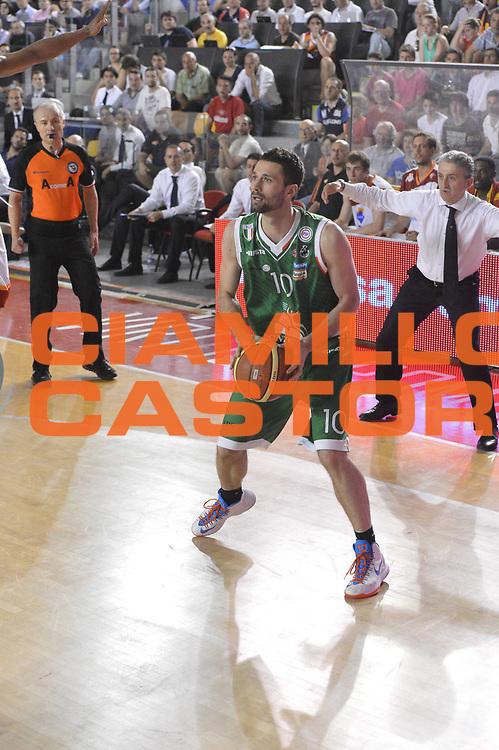DESCRIZIONE : Roma Lega A 2012-2013 Acea Roma Montepaschi Siena  playoff finale gara 2<br /> GIOCATORE : Alexander Rasic <br /> CATEGORIA : Tecnica<br /> SQUADRA :Montepaschi Siena<br /> EVENTO : Campionato Lega A 2012-2013 playoff finale gara 2<br /> GARA : Acea Roma Montepaschi Siena <br /> DATA : 13/06/2013<br /> SPORT : Pallacanestro <br /> AUTORE : Agenzia Ciamillo-Castoria/GiulioCiamillo<br /> Galleria : Lega Basket A 2012-2013  <br /> Fotonotizia : Roma Lega A 2012-2013 Acea Roma Montepaschi Siena  playoff finale gara 2