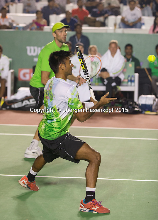 Champions Tennis League 2015, Hyderabad Aces Spieler  Ivo Karlovic (CRO) und Doppel Partner Jeevan Nedunchezhiyan (IND), action,<br /> Tennis - Champions Tennis League 2015 -  -   - Nagpur - Maharashtra - India  - 5 December 2015. <br /> &copy; Juergen Hasenkopf