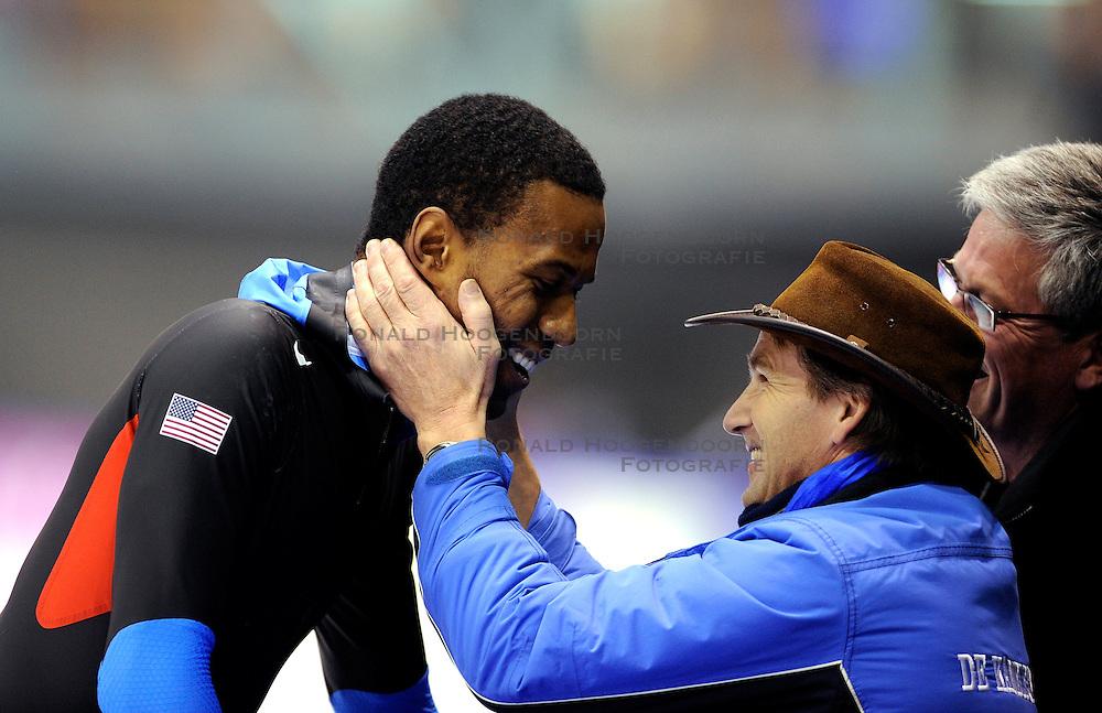 13-11-2009 SCHAATSEN: ESSENT ISU WORLDCUP: HEERENVEEN <br /> Shani Davis wint de 1500 meter en John Postma<br /> &copy;2009-WWW.FOTOHOOGENDOORN.NL