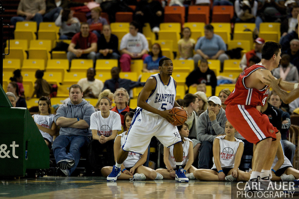 November 29, 2008: Hampton's Brandon Tunnell (5) in the championship game of the 2008 Great Alaska Shootout at the Sullivan Arena.  San Diego State would keep Hampton scoreless for most of the first 7 minutes of the game and never look back on the Aztec's run to the win Saturday night.