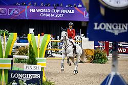 Kraut, Laura (USA) Zeremonie<br /> Omaha - Weltcup Finale Dressur und Springen 2017<br /> Stefan Lafrentz