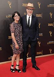 Adam Savage bei der Ankunft zur Verleihung der Creative Arts Emmy Awards in Los Angeles / 110916 <br /> <br /> *** Arrivals at the Creative Arts Emmy Awards in Los Angeles, September 11, 2016 ***