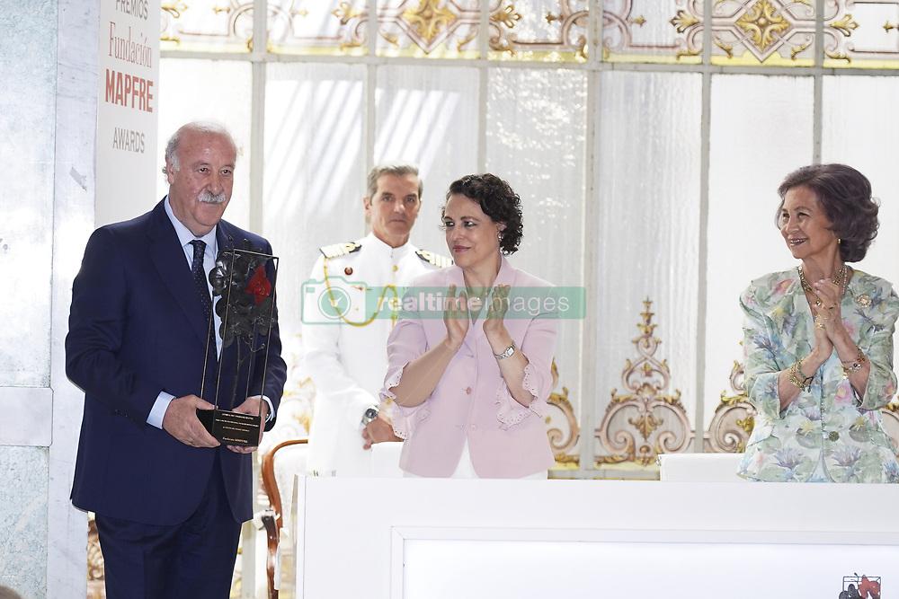 June 14, 2018 - Madrid, Spain - (R-L) Queen Sofia of Spain, Magdalena Valerio and Vicente del Bosque attends Mapfre Foundation Awards 2017 at Casino de Madrid on June 14, 2018 in Madrid, Spain. (Credit Image: © Oscar Gonzalez/NurPhoto via ZUMA Press)
