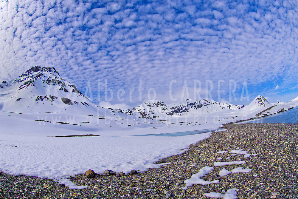 Alberto Carrera, Arctic Lands, Snowcapped Mountains, Trygghamna Bay, Oscar II Land, Arctic, Spitsbergen, Svalbard, Norway, Europe