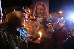 O ex-arcebispo da Igreja anglicana da Africa do Sul e Premio Nobel da Paz, Desmond Tutu participa com quatro mil pessoas de uma marcha pela paz nas ruas de Porto Alegre commo atividade na 9ª Assembleia do Conselho Mundial de Igrejas (CMI) que acontece de 14 a 23 de fevereiro.  FOTO: Jefferson Bernardes/Preview.com