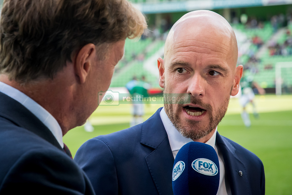 (L-R) Hans Kraay jr, coach Erik ten Hag of FC Utrecht during the Dutch Eredivisie match between FC Groningen and FC Utrecht at Noordlease stadium on August 27, 2017 in Groningen, The Netherlands