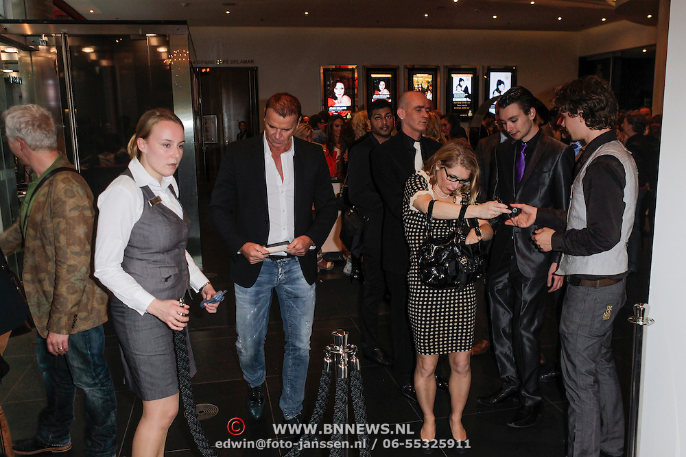 NLD/Amsterdam/20120420 - Show Joan Collins,