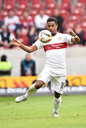 26.09.2015, Mercedes Benz Arena, Stuttgart, GER, 1. FBL, VfB Stuttgart vs Borussia Moenchengladbach, 7. Runde, im Bild Daniel Didavi VfB Stuttgart am Ball // during the German Bundesliga 7th round match between VfB Stuttgart and Borussia Moenchengladbach at the Mercedes Benz Arena in Stuttgart, Germany on 2015/09/26. EXPA Pictures © 2015, PhotoCredit: EXPA/ Eibner-Pressefoto/ Weber<br /> <br /> *****ATTENTION - OUT of GER*****
