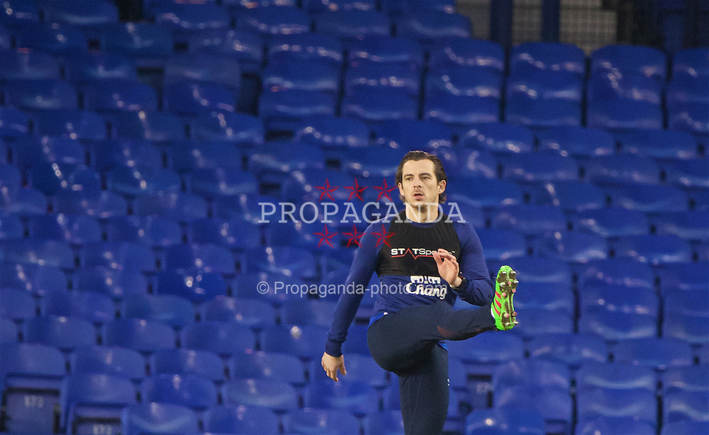 LIVERPOOL, ENGLAND - Saturday, February 13, 2016: Everton's Leighton Baines performs a warm-down after the Premier League match against West Bromwich Albion at Goodison Park. (Pic by David Rawcliffe/Propaganda)