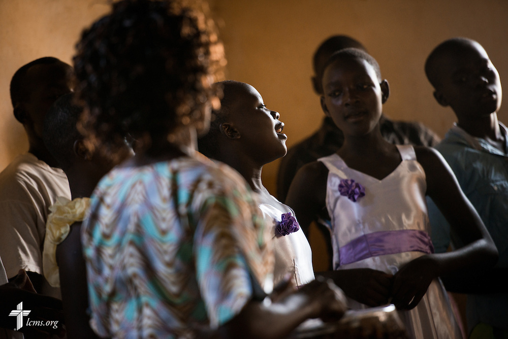 Choir members sing during worship at the Othoro (ELCK) Lutheran congregation on Sunday, Oct. 18, 2015, in Kisumu, Kenya. LCMS Communications/Erik M. Lunsford