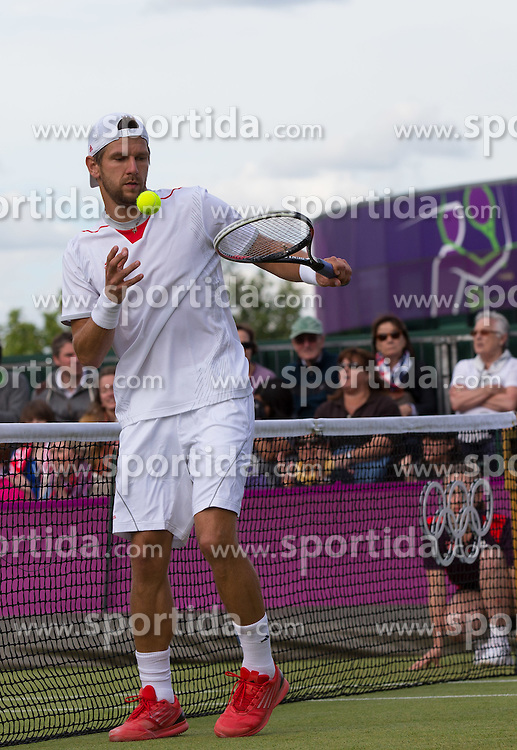 30.07.2012, Wimbledon, London, GBR, Olympia 2012, Tennis, Herren Doppel, Runde 2, im Bild Juergen Melzer (AUT) // Juergen Melzer of Austria during second Round of men double tennis competition at the 2012 Summer Olympics at Wimbledon, London, United Kingdom on 2012/07/30. EXPA Pictures © 2012, PhotoCredit: EXPA/ Johann Groder