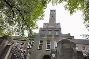 Nederland, Nijmegen, 18-8-2016Aan de rand van het centrum van de stad is een AZC, asielzoekerscentrum in het voormalige kazernecomplex van de prins hendrikkazerne . FOTO: FLIP FRANSSEN