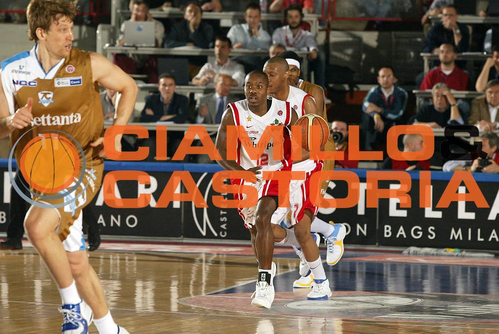 DESCRIZIONE : Varese Lega A1 2006-07 Whirlpool Varese Tisettanta Cantu<br /> GIOCATORE : Keys<br /> SQUADRA : Whirlpool Varese<br /> EVENTO : Campionato Lega A1 2006-2007 <br /> GARA : Whirlpool Varese Tisettanta Cantu<br /> DATA : 28/04/2007 <br /> CATEGORIA : Palleggio<br /> SPORT : Pallacanestro <br /> AUTORE : Agenzia Ciamillo-Castoria/G.Cottini
