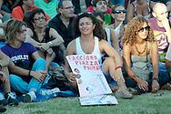 Roma 10 Settembre 2011.Indignados italiani e Popolo Viola  si riuniscono  in piazza San Giovanni contro i privilegi della Casta, per chiedere le dimissioni del Governo Berlusconi e contro la manovra economica e montano una tendopoli per  rimanere anche la notte.