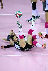 01-05-2017 ITA: Liu Jo Volley Modena - Igor Gorgonzola Novara, Modena<br /> Final playoff match 1 of 5 / STEFANIA SANSONNA en DIJKEMA LAURA<br /> <br /> ***NETHERLANDS ONLY***