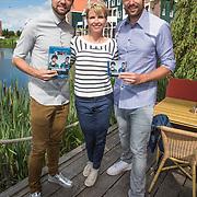 NLD/Volendam/20140620 -Presentatie 'Herinneringen' Dvd box Nick & Simon, met Anita Witzier