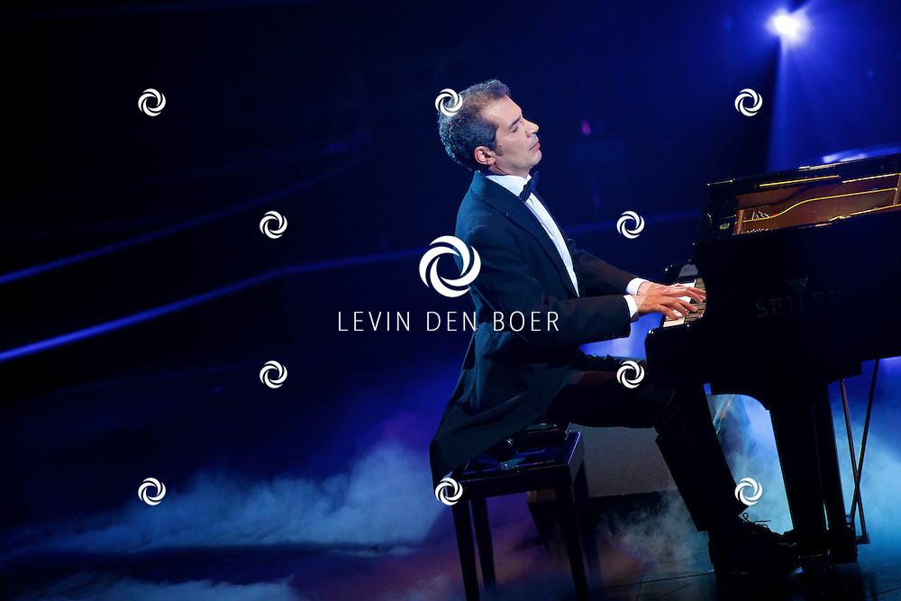 HILVERSUM - In Studio 24 zijn de finales van Holland's Got Talent 2014. Met hier op de foto  pianist Ako Taher. FOTO LEVIN DEN BOER - PERSFOTO.NU