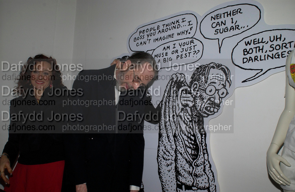 Aline Crumb and Robert Crumb. Night at Crumbland to celebrate the launch of the Stella McCartney and Robert Crumb collaboration and the publication of the R.Crumb Handbook. Stella McCarttney shop. Bruton St. London. 17 March 2005. ONE TIME USE ONLY - DO NOT ARCHIVE  © Copyright Photograph by Dafydd Jones 66 Stockwell Park Rd. London SW9 0DA Tel 020 7733 0108 www.dafjones.com