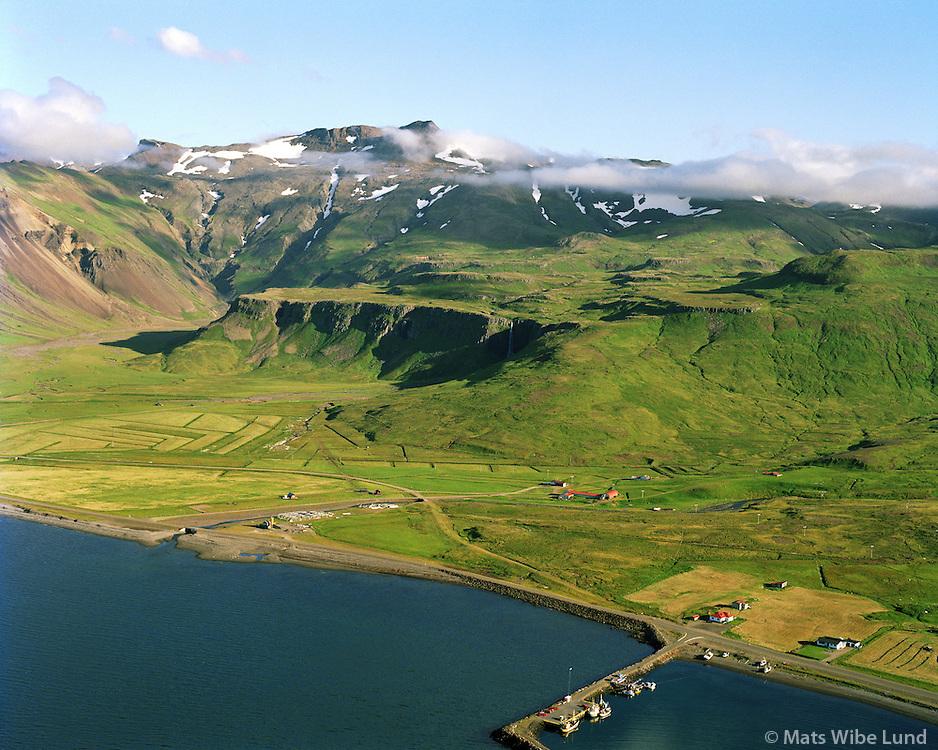 Gröf og Kverná séð til suðausturs, Eyrarsveit, Grundarfjörður / Grof and Kverna viewing southeast, Eyrarsveit, Grundarfjordur.