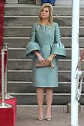 Fran&ccedil;ois Hollande brengt een officieel bezoek aan Nederland. Hollande is in Nederland om de handelsbetrekkingen aan te halen.<br /> <br /> Fran&ccedil;ois Hollande brings an official visit to the Netherlands. Hollande is in the Netherlands for &quot;better&quot;Trading relations<br /> <br /> Op de foto/ On the photo:  Welkomstceremonie  - Koningin Maxima<br /> <br /> Welcoming ceremony - Queen Maxima