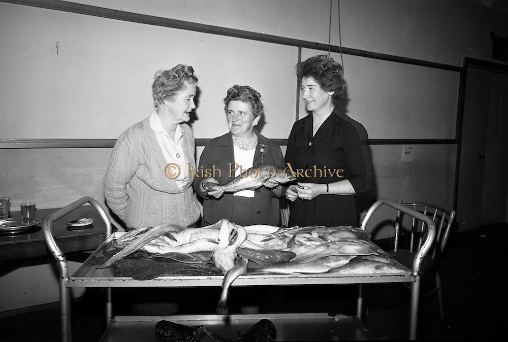 15/11/1966<br /> 11/15/1966<br /> 15 November 1966<br /> Fish Scholarship course at I.C.A. at An Grianan, Termonfeckin, Co. Louth, organised by Bord Iascaigh Mhara. The delegates from I.C.A. Guilds around the country were given a course in fish cookery and lectures and demonstration techniques to impart to their Guilds. Picture shows (l-r): Mrs. Mandeville, Dundalk, Co. Louth; Mrs. McGinley, Donore Federation, representing the Meath Guild and Mrs parker, Athlone, Co. Westmeath.