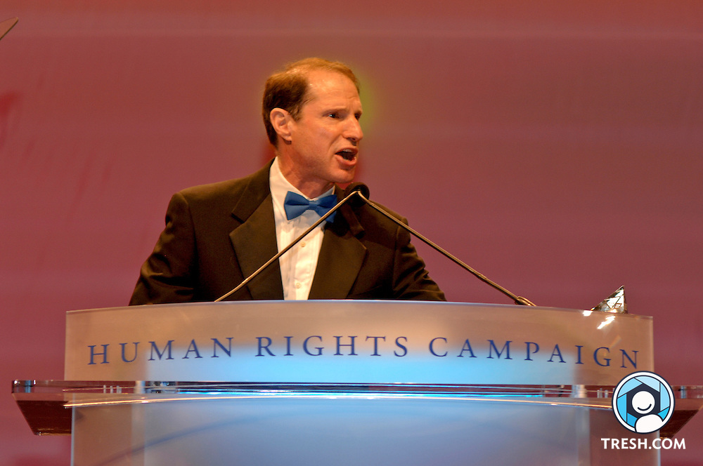 U.S. Senator Ron Wyden of Oregon speaks at the Tenth Annual HRC National Dinner