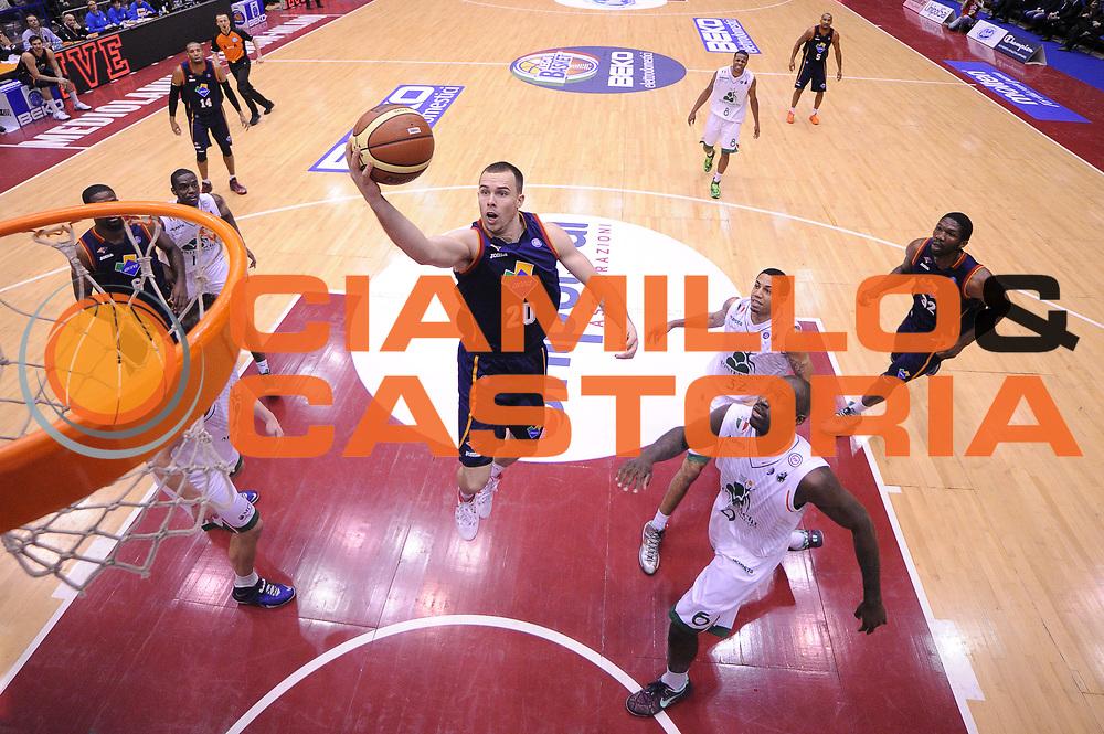 DESCRIZIONE : Milano Coppa Italia Final Eight 2014 Quarti di Finale Montepaschi Siena Acea Roma<br /> GIOCATORE : Jimmy Baron<br /> CATEGORIA : Special Sottomano<br /> SQUADRA : Acea Roma<br /> EVENTO : Beko Coppa Italia Final Eight 2014<br /> GARA : Montepaschi Siena Acea Roma<br /> DATA : 07/02/2014<br /> SPORT : Pallacanestro<br /> AUTORE : Agenzia Ciamillo-Castoria/R.Morgano<br /> Galleria : Lega Basket Final Eight Coppa Italia 2014<br /> Fotonotizia : Milano Coppa Italia Final Eight 2014 Quarti di Finale Montepaschi Siena Acea Roma<br /> Predefinita :