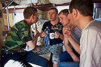 Russie, Siberie, train transsiberien, passagers voyageant jusqu'à Vladivostok  // Russia, Trans-Siberian train in Siberia, passengers traveling up to Vladivostok