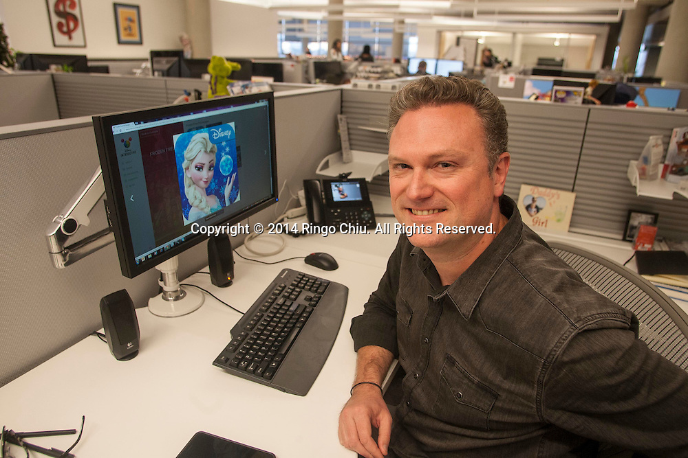 "Scott Humphries, lead designer of the ""Frozen"" mobile game in Disney Studios. Photo by Ringo Chiu/PHOTOFORMULA.com)"
