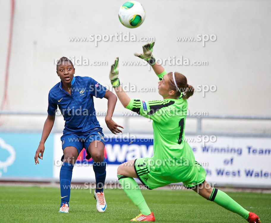 28.08.2013, Parc y Scarlets, Llanelli, ENG, UEFA Damen U19 EM, Deutschland vs Frankreich, im Bild France's Kadidiatou Diani scores the first goal past Germany's goalkeeper Meike Kamper during the UEFA women U 19 championchip group A match between Germany and france at Parc y Scarlets in Llanelli, Great Britain on 2013/08/28. EXPA Pictures &copy; 2013, PhotoCredit: EXPA/ Propagandaphoto/ Alan Seymour<br /> <br /> ***** ATTENTION - OUT OF ENG, GBR, UK *****