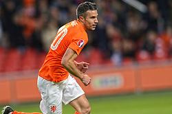 16-11-2014 NED: EK Kwalificatie Nederland - Letland, Amsterdam<br /> Nederland wint in de Arena met 6-0 van Letland / Robin van Persie scoort de 1-0