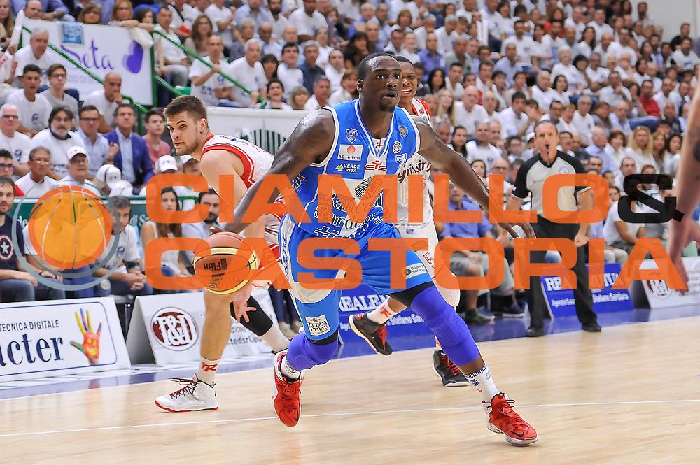 DESCRIZIONE : Campionato 2014/15 Serie A Beko Dinamo Banco di Sardegna Sassari - Grissin Bon Reggio Emilia Finale Playoff Gara3<br /> GIOCATORE : Rakim Sanders<br /> CATEGORIA : Palleggio Penetrazione<br /> SQUADRA : Dinamo Banco di Sardegna Sassari<br /> EVENTO : LegaBasket Serie A Beko 2014/2015<br /> GARA : Dinamo Banco di Sardegna Sassari - Grissin Bon Reggio Emilia Finale Playoff Gara3<br /> DATA : 18/06/2015<br /> SPORT : Pallacanestro <br /> AUTORE : Agenzia Ciamillo-Castoria/L.Canu