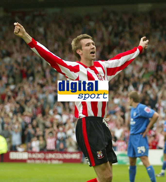 Photo: Aidan Ellis.<br /> Lincoln City v Rochdale. Coca Cola League 2. 06/05/2006.<br /> Lincoln's Gareth McAuley celebrates his goal