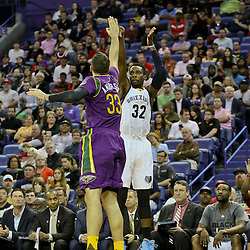 Feb 1, 2016; New Orleans, LA, USA; Memphis Grizzlies forward Jeff Green (32) shoots over New Orleans Pelicans forward Ryan Anderson (33) during the second quarter of a game at the Smoothie King Center. Mandatory Credit: Derick E. Hingle-USA TODAY Sports