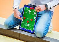 AMSTERDAM  - coachbord, coach,  tijdens het starttoernooi zaalhockey in Sporthallen Zuid.    COPYRIGHT KOEN SUYK