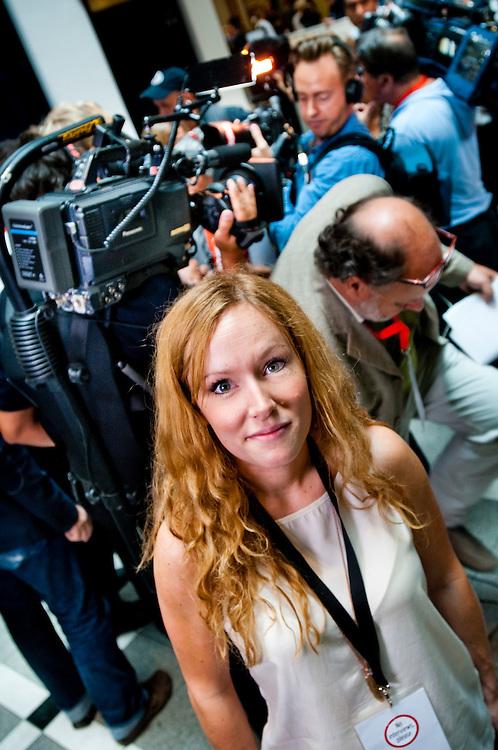 Elin L'Estrange i en paus under sista dagen på Breivik-rättegången.