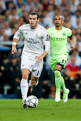 Gareth Bale of Real Madrid shoots - Mandatory byline: Rogan Thomson/JMP - 04/05/2016 - FOOTBALL - Santiago Bernabeu Stadium - Madrid, Spain - Real Madrid v Manchester City - UEFA Champions League Semi Finals: Second Leg.